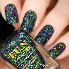Swatch of FUN Lacquer Black Holo Witch (Simplynailogical Collection)