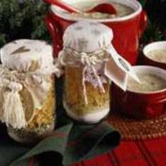 White Christmas Soup in a Jar recipe.  Here's a quick gift idea that is easy to make for all your friends and neighbors - and it won't break your budget.