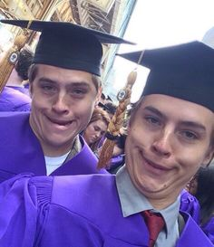 They're educated, like, super educated. & 21 Reasons Dylan And Cole Sprouse Ar& The post They're educated, like, super educated. appeared first on Riverdale Memes. Dylan Sprouse, Sprouse Bros, Cole Sprouse Funny, Cole Sprouse Dylan And, Riverdale Funny, Riverdale Memes, Riverdale Cast, Riverdale Archie, Vanessa Morgan