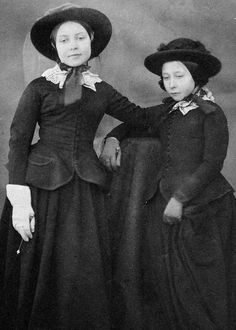 Victoria, Princess Royal with her sister Princess Alice in 1854, both are wearing riding habit.