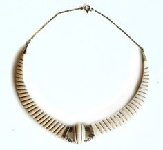 Ivory white vintage collier with copper details