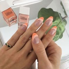 In look for some nail designs and some ideas for your nails? Here's our set of must-try coffin acrylic nails for fashionable women. Minimalist Nails, Winter Nails, Spring Nails, Nail Summer, Summer Fall, Sally Hansen Nagellack, Cute Nails, Pretty Nails, Fancy Nails