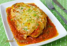 Pui cu parmezan Parmezan, Romanian Food, Romanian Recipes, Mozzarella, Kfc, Lasagna, Food Videos, Grilling, Dinner Recipes