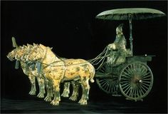 Bronze charioteer and chariot, Qin Dynasty. Chinese Weapons, Chinese Armor, Tibet, Qin Dynasty, Warring States Period, World Pictures, China Painting, Ancient China, Chinese Culture