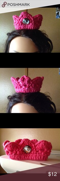 Newborn crown. Crocheted with Caron simply soft yarn. The stone is sewed in for safety. Can also be made in other colors and sizes, upon request. Handmade by Sulema Accessories Hats