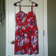 NWT jessica simpson dress Brand new with tags. Beautiful bustier type dress with adjustable straps. Side zipper, back slightly stretchable. 97% cotton and 3% elastane. Jessica Simpson Dresses Midi