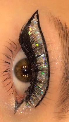 Smokey Eye Makeup Tutorial, Eye Makeup Steps, Eye Makeup Art, Skin Makeup, Eyeshadow Makeup, Purple Eye Makeup, Colorful Eye Makeup, Glitter Makeup, Glitter Eyeliner