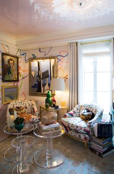 One of 5 Easy Ways to Make a Small Space Feel Larger - create a glossy ceiling (=)