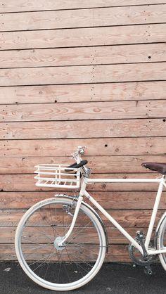 Motobecane vintage année 70 rénove en creme avec guidon martone