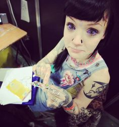 The always adorbs Grace Neutral with parma violet tattooed scleras, scalpelled nostrils, and scarification by Luna Cobra. // instagram: @HannahPixie GraceNeutral @lunacobra