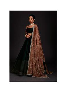 Silk lehenga - Photo By Vvani By Vani Vats Bridal Wear Indian Fashion Dresses, Indian Bridal Outfits, Indian Gowns Dresses, Dress Indian Style, Indian Designer Outfits, Pakistani Dresses, Designer Dresses, Pakistani Suits, Pakistani Bridal
