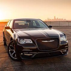 Sizzle at sunrise. Chrysler 2017, Star Trek 1966, Town And Country, Car Photography, Amazing Cars, Mopar, Custom Cars, Cool Cars, Dream Cars