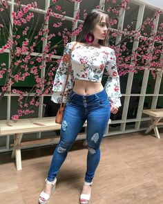 Jeans 💙 eye feast in 2019 Superenge Jeans, Sexy Jeans, Sexy Outfits, Cute Outfits, Fashion Outfits, Denim Fashion, Girl Fashion, Womens Fashion, Fashion Clothes