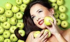 Apple: Beauty Secrets and Facial Masks Recipes Beauty Tips For Hair, Natural Beauty Tips, Beauty Hacks, Diy Beauty, Beauty Makeup, Skin So Soft, Natural Skin, Natural Foods, Beauty Skin