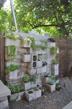 20+ Vertical Garden with Cinder Block Ideas to Backyard on a Budget