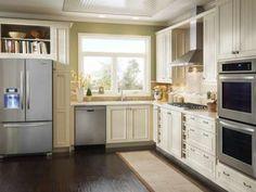 Imaginez à quel point cette cuisine gagnerait à compter sur un îlot Le reste, malgré l'espace restre... - hgtv.com