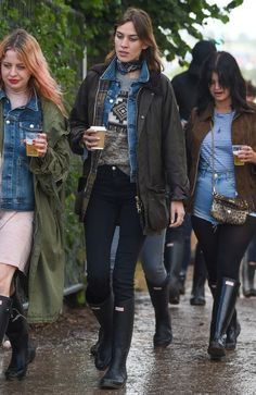 festival-alexa-chung-boots-jeans-jacket