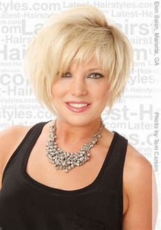 Afbeeldingsresultaten voor short hairstyles for long thin face over 50