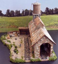 A HO Scale Model Train Engine House @ http://www.hobbylinc.com/model-trains