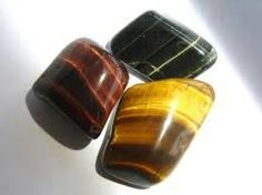 Gemstone of the Day: Tiger's Eye. Retrograde Mercury sextiles Saturn today. The moon is in Virgo. Review your foundations, structures and comunication patters with practicality. Use this stone for protection while traveling, to aid in decision making, and to awaken your kundalini energy. A powerful sacral chakra gemstone. Good for all lower chakras in general.