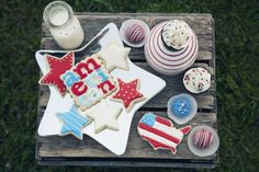 Sugar Cookies, Cake Bites and Cupcakes for the 4th of July by Snickety Snacks