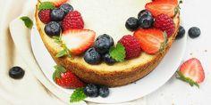 Ovocný Cheesecake chutí výborne a dá sa jesť donekonečna. Už pri miešaní máte chuť zahryznúť sa do tej peny. Jednoduchý Cheesecake s ovocím...