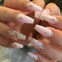 106 Beautiful Nail Art Designs To Copy Right Now - The most beautiful nail designs Glam Nails, Beauty Nails, Cute Nails, Salon Nails, Bling Nail Art, Bling Wedding Nails, Pink Bling Nails, Jewel Nails, Blush Pink Nails