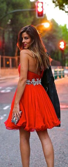 Red Pop sexy dress with black heels # prom Dresses. Outfits for… Red Dress Outfit, New Dress, Dress Outfits, Sexy Dresses, Beautiful Dresses, Prom Dresses, Cute Easter Outfits, Trendy Taste, Outfits Damen
