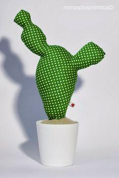 No es crochet...pero es un cactus :)