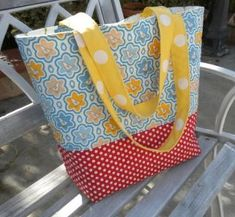 quilted tote from jedi craft girl Bag Pattern Free, Bag Patterns To Sew, Tote Pattern, Sewing Patterns, Wallet Pattern, Handbag Patterns, Quilting Patterns, Quilting Ideas, Free Tote Bag Patterns