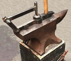 Texturing tool mounted on anvil