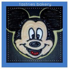 #mickeymouse #designercookies @tastriesbakery