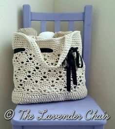 Vintage Market Tote Crochet Pattern - The Lavender Chair Bernat Maker Home yarn Bag Crochet, Mode Crochet, Crochet Market Bag, Crochet Shell Stitch, Crochet Handbags, Crochet Purses, Crochet Crafts, Crochet Yarn, Dishcloth Crochet
