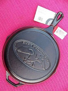 LODGE Discontinued Rare Duck Commander Logo Advertising Cast Iron Skillet w/TAGS
