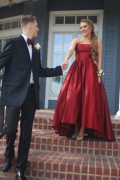 Prom Dresses Simple, Strapless High Low Semi Formal Party Dress, A long dress makes an elegant statement at any formal event whether it is prom, a formal dance, or wedding. Prom Pictures Couples, Homecoming Pictures, Prom Couples, Prom Photos, Prom Pics, Teen Couples, Creative Prom Pictures, Homecoming Poses, Halloween Costume Couple
