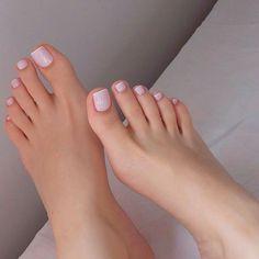 Pin de myron tom em sexy feet em 2019 toe nail color, feet n Nice Toes, Pretty Toes, Pretty Nails, French Pedicure, Manicure E Pedicure, French Toe Nails, Pink Pedicure, Pedicure Ideas, Sexy Nails