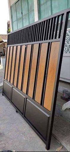 House Main Gates Design, Front Gate Design, Door Gate Design, Steel Gate Design, Privacy Fence Designs, Window Grill Design, Iron Balcony, Flatscreen, Home Exterior Makeover