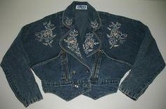 Vintage Jeans, Vintage Outfits, Love Jeans, Striped Jeans, Light Wash Jeans, Vest Jacket, Cropped Jeans, Sequins, Denim