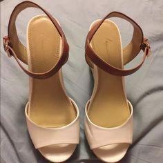 LANE BRYANT WEDGE SANDAL NEW SIZE 9w NEW WITHOUT BOX SIZE 9. Lane Bryant Shoes Wedges