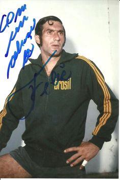 Mais uma foto do inesquecível goleiro Félix,tricampeão do mundo em 70!