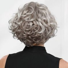 Bem na Foto: Corte de Cabelo Curto Cacheado para Senhoras Grey Curly Hair, Short Wavy Hair, Curly Hair Cuts, Curly Hair Styles, Thin Hair, Gray Hair, Messy Bob Hairstyles, Layered Hairstyles, Prom Hairstyles