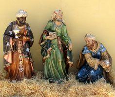 reis magos estrela - Pesquisa Google Bible Stories, Sacred Art, Epiphany, Paper Models, Felt Art, Religious Art, Ribbon Embroidery, Decor Crafts, Male Figure