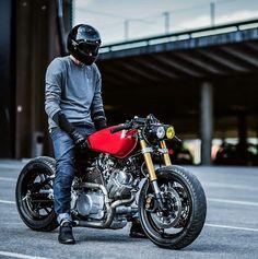 Faros delanteros, color y la altura de la moto
