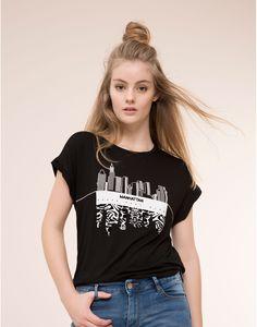 MANHATTAN FLOCKED T-SHIRT - T-SHIRTS & TOPS - WOMAN - PULL&BEAR United Kingdom