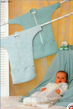 PDF DIGITAL Babies Easy Knit Zip Up Sleeping Bag Bunting or Cocoon Cosy and Comfy Zippered Sleeping Bag in a really easy to knit design Knitted in DK Baby Knitting Patterns, Knitting Designs, Baby Patterns, Crochet Patterns, Crochet Baby Cocoon, Baby Winter, Vintage Knitting, Baby & Toddler Clothing, Elsa