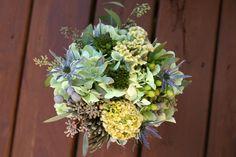 http://static.weddingchicks.com/wp-content/uploads/2010/10/green-bouquet.jpg