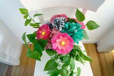 Papierblumen im Strauß - mit Kindern basteln Quilling, Crafts For Kids, Floral Wreath, Wreaths, Home Decor, Valentine Gift For Him, Crafts, Tulips, Bedspreads