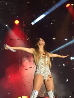 Britney Spears 2000, Camila Gallardo, Mariano Martinez, Concert Dresses, Sebastian Yatra, Foto Casual, Mac Miller, Shows, In Pantyhose