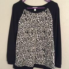 Beautiful light weight sweater. Black with white rose design Dress Barn Tops