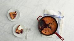 Martha Bakes Old-Fashioned Fruit Desserts. Easy desserts such as peach cobbler, pear brown betty and blueberry crisp and blackberry buckle (pictured) . Just Desserts, Delicious Desserts, Dessert Recipes, Yummy Food, Dessert Ideas, Frozen Desserts, Fruit Recipes, Vegan Desserts, Blueberry Crisp
